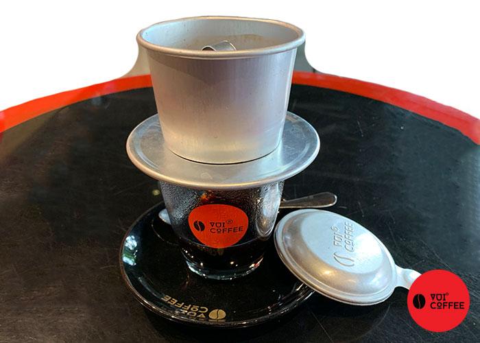 Dùng phin để pha cà phê chồn