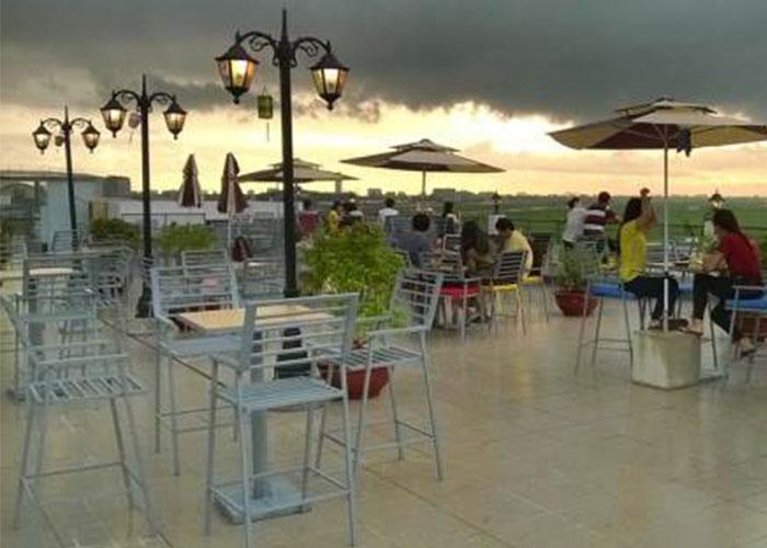 Mô hình quán cà phê sân thượng