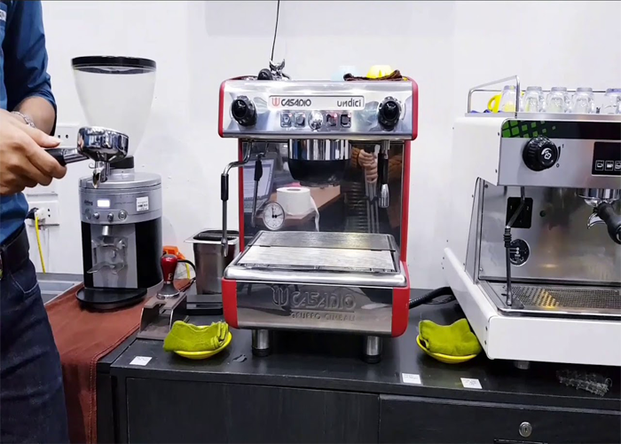 máy pha cà phê cũ có tốt không